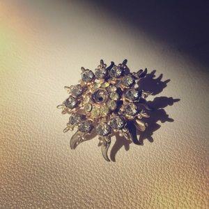 Gorge Antique Gold & Diamond Brooch
